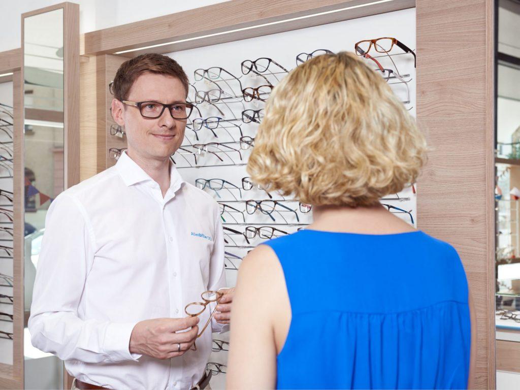 Kundengespräch Brillenverkauf AllesBrille